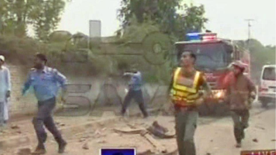 Πακιστάν: Αιματηρή επίθεση κοντά σε γραφεία του ΟΗΕ