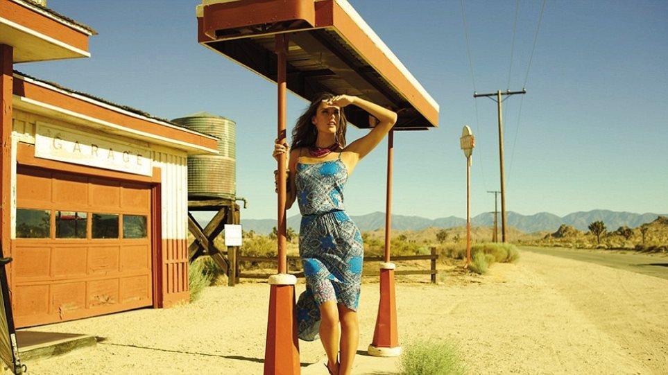 Η Alessandra Ambrosio... στην έρημο