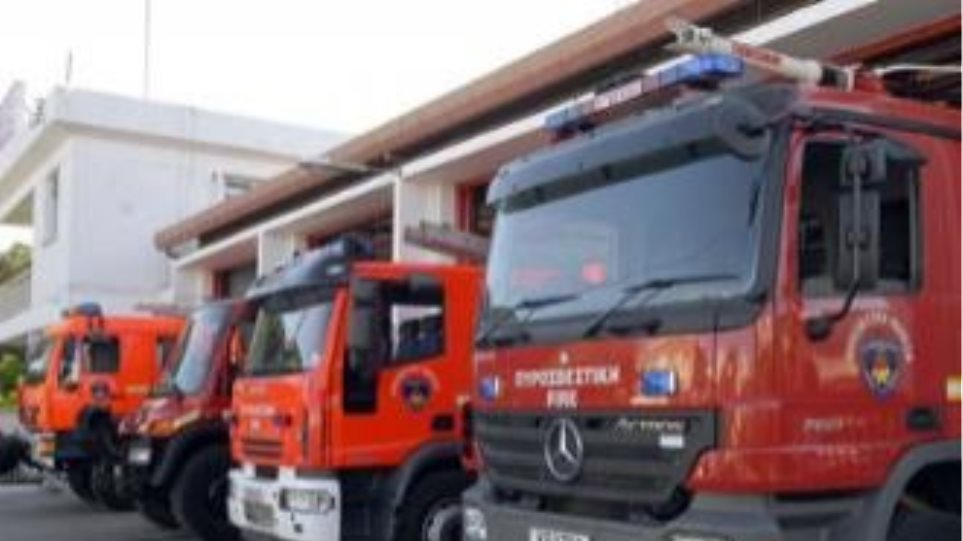 Υπό μερικό έλεγχο η φωτιά στο ΧΥΤΑ στη Κουντούρα Χανίων