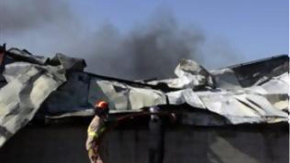 Πυρκαγιά σε αποθήκη στον Ασπρόπυργο