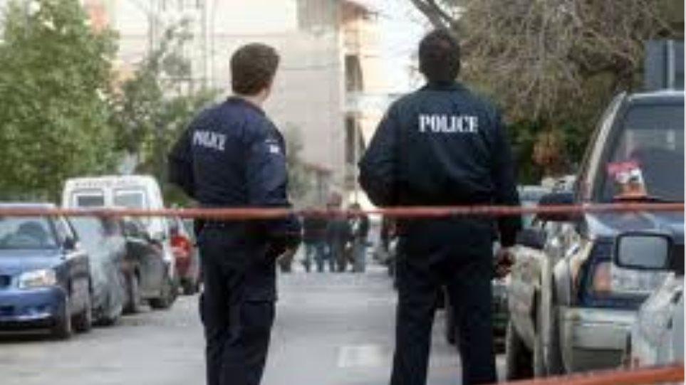 Κατάληψη στο δημαρχείο Κερατσινίου από υπαλλήλους