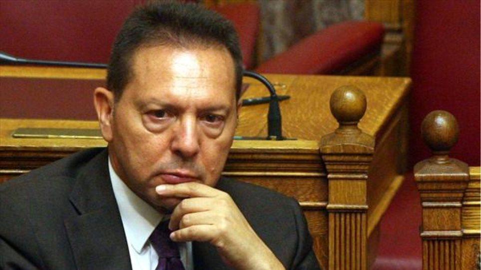 Στουρνάρας: Στουρνάρας: Το έλλειμμα 1 δισ. του ΕΟΠΥΥ παρολίγο να τινάξει την ελληνική οικονομία στον αέρα