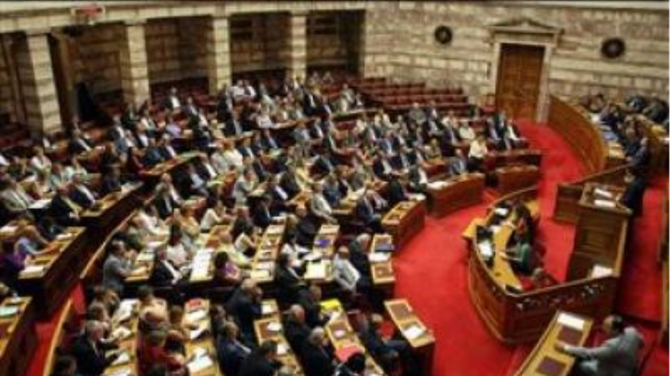 Κοινοβουλευτικοί κλυδωνισμοί για τον κυβερνητικό συνασπισμό