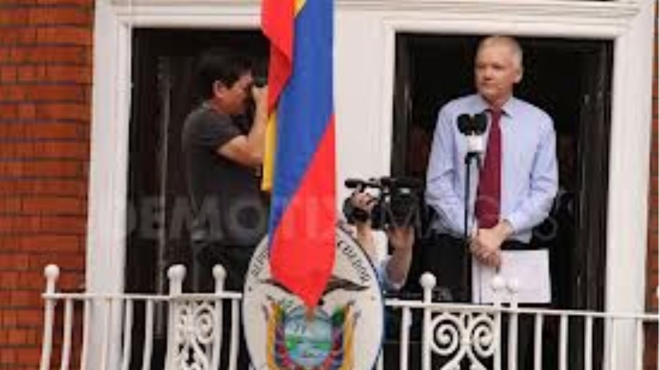Το Κίτο κατηγορεί τo Λονδίνο για την επιδείνωση της υγείας τού Ασάνζ