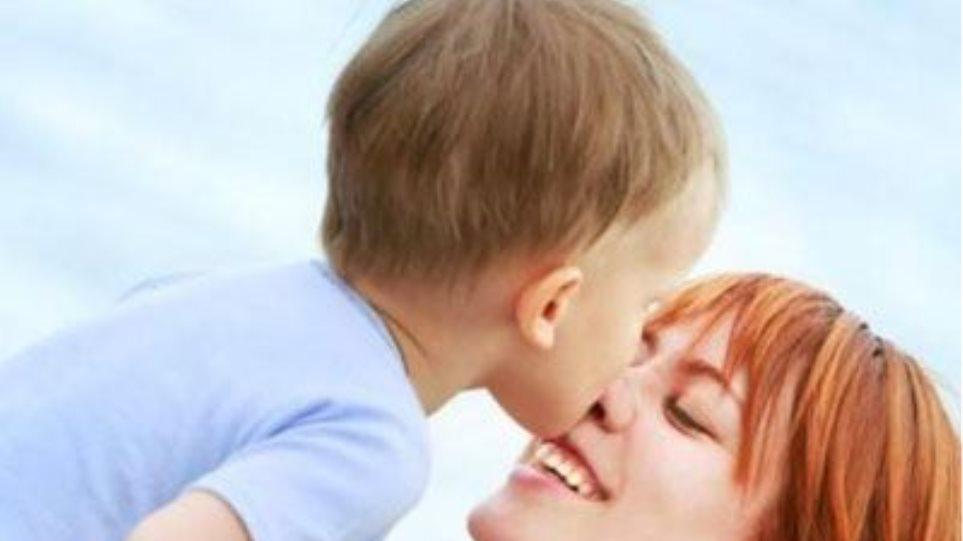 250.000 μωρά δόθηκαν για υιοθεσία χωρίς τη θέληση των γονιών τους!