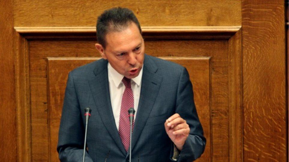 Ψήφιση των μέτρων ή χρεοκοπία, προειδοποιεί ο Στουρνάρας
