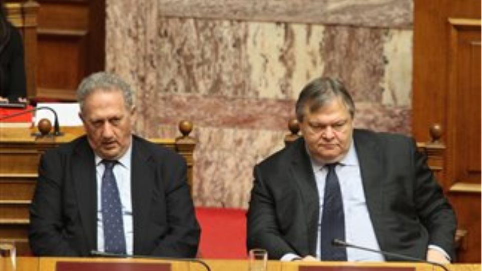 """Venizelos will strike off anyone who deviates from the party """"line"""""""