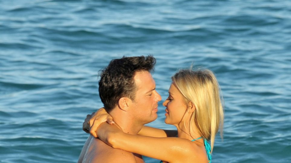 Ερωτικά παιχνίδια στη θάλασσα για τη Joanna Krupa