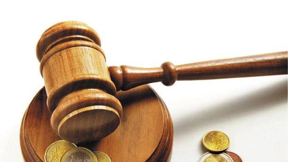 Θα προσφύγουν στο Μισθοδικείο κατά των περικοπών οι δικαστικοί
