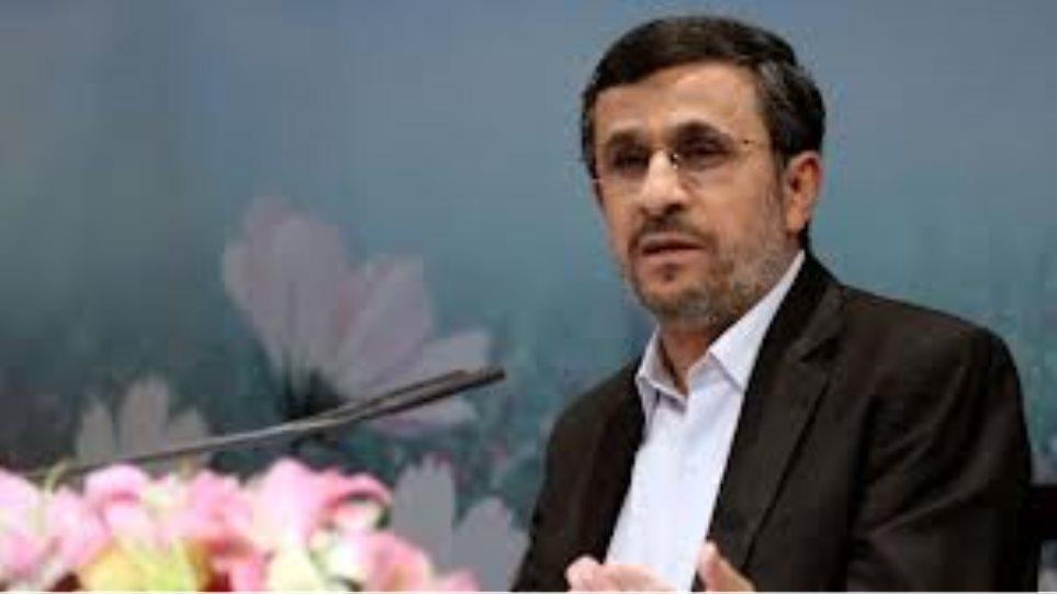 Αχμαντινετζάντ: Οι αμερικανικές εκλογές «πεδίο μάχης για τους καπιταλιστές»