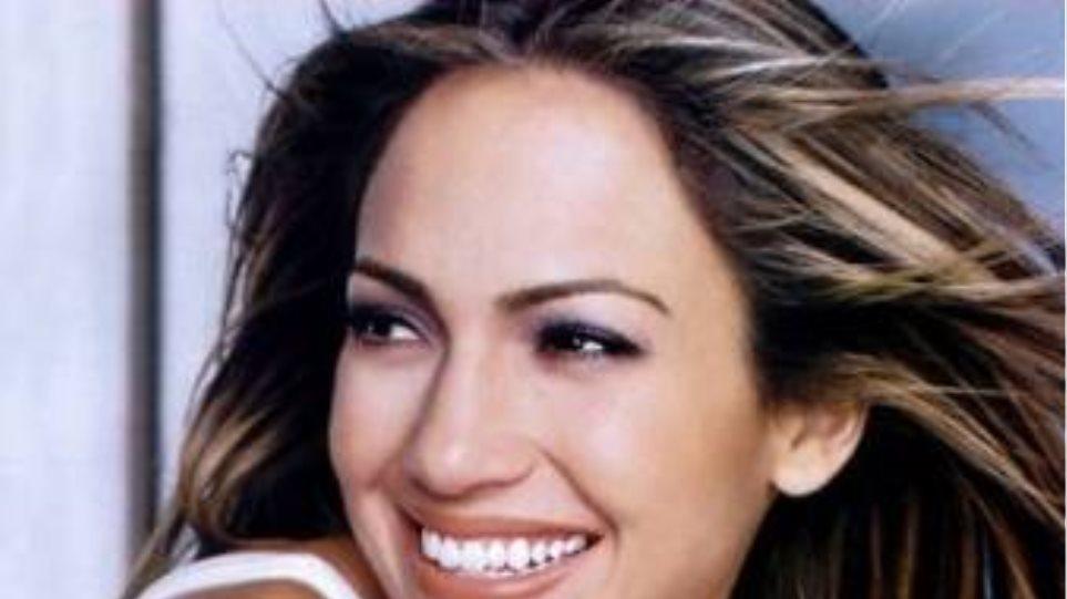 Απαίτησε την απόλυση καμαριέρας η Jennifer Lopez;