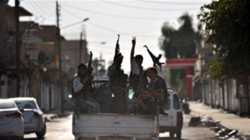 Σύροι αντάρτες κατέλαβαν αεροδρόμιο