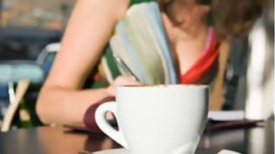 Στον εισαγγελέα για μη έκδοση αποδείξεων σε καφέ - εστιατόριο