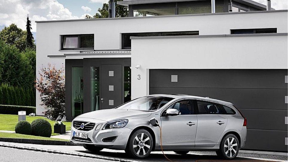 Στην παραγωγή το υβριδικό plug-in Volvo V60