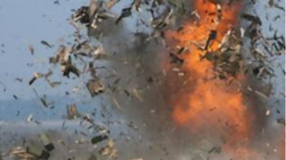Βλήματα όλμου χτύπησαν το υπουργείο Πληροφοριών στη Συρία