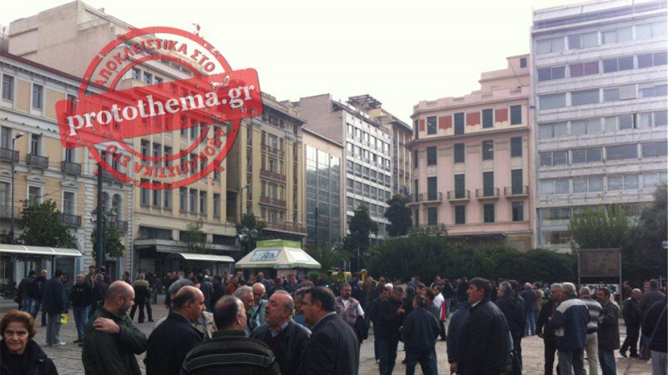 Σήμερα το μεσημέρι το κρίσιμο ραντεβού Βρούτση με τους απεργούς της Χαλυβουργίας