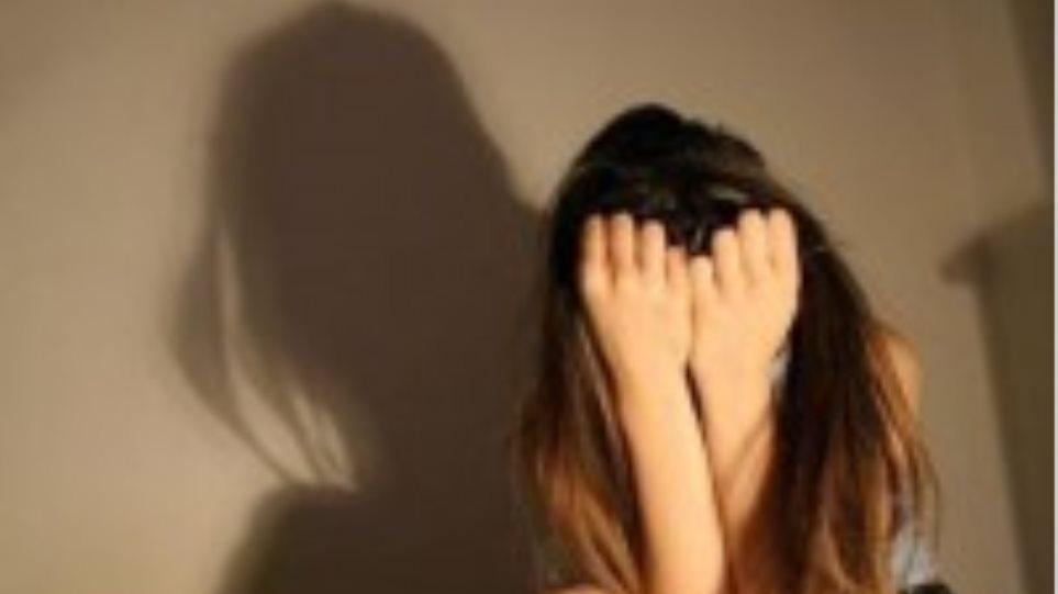Ηλεία: «Ο ένας με κρατούσε και ο άλλος με βίαζε στην αποθήκη»!