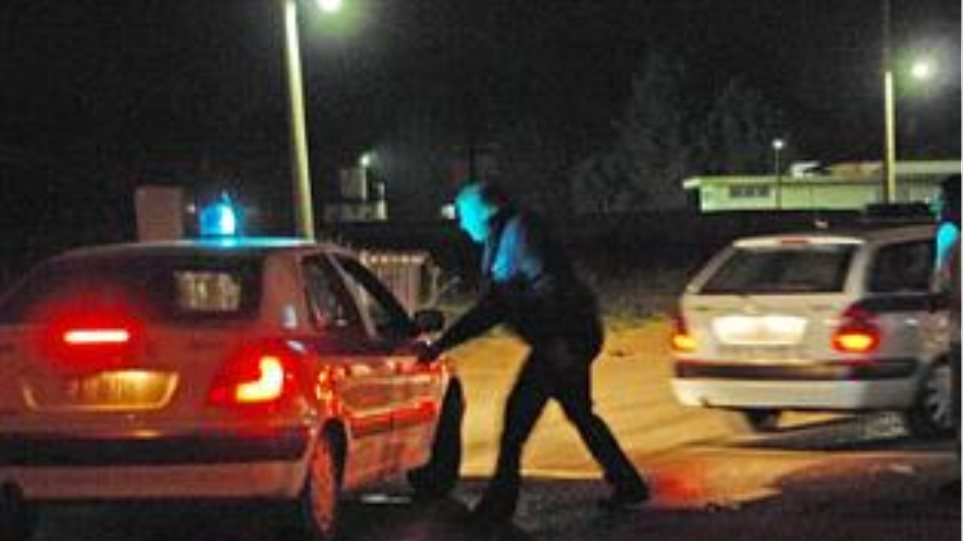 Ανήλικος οπλοφορούσε  και οδηγούσε χωρίς δίπλωμα