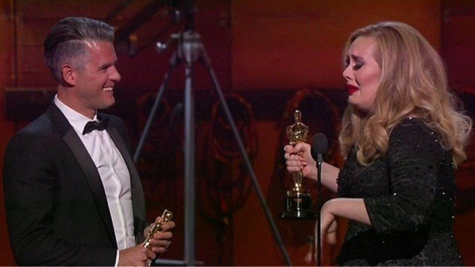 Όσκαρ 2013: Η συγκίνηση της Adele και το «ευχαριστώ» στον σύντροφό της