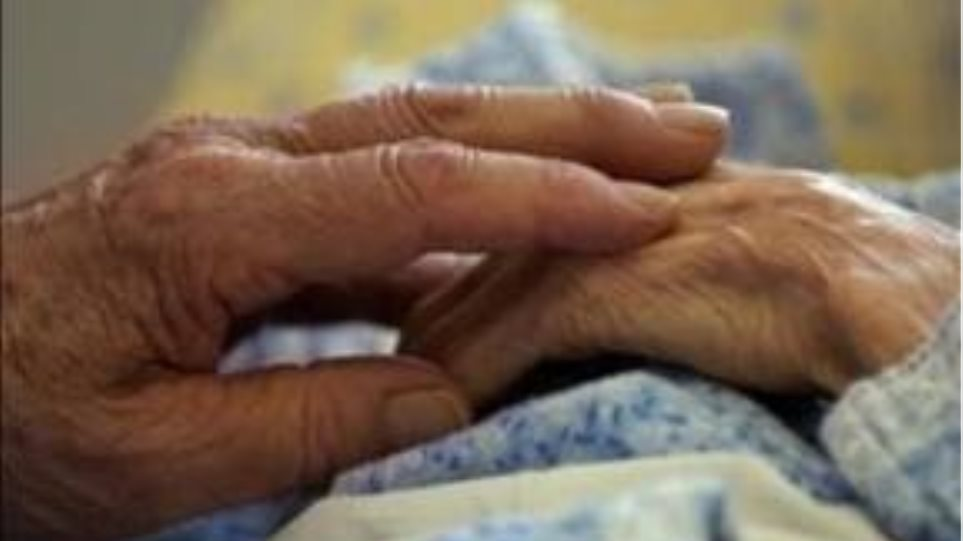 Αυτοκόλλητο επιβραδύνει την εξέλιξη του Αλτσχάιμερ