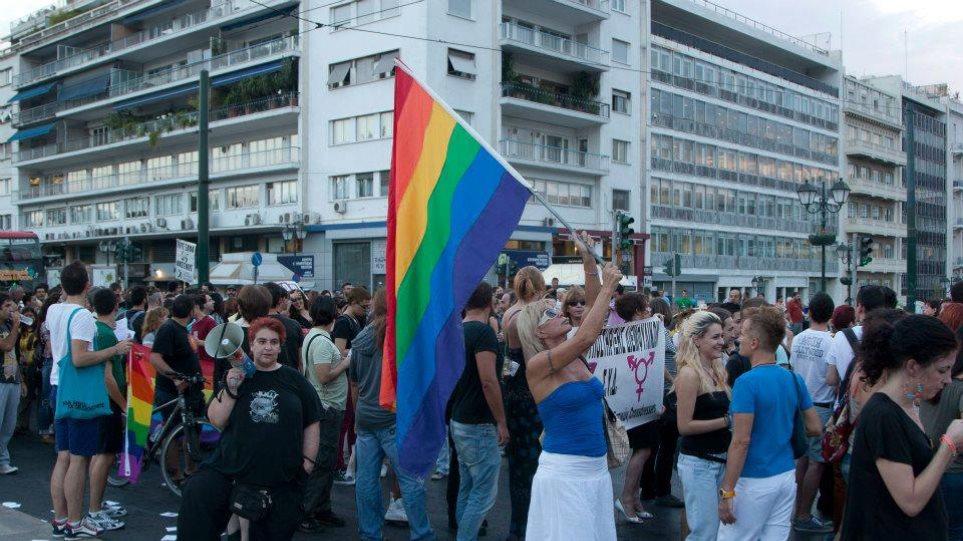 Μπαράζ προσαγωγών ενόψει του Thessaloniki Pride καταγγέλουν οι τράνς