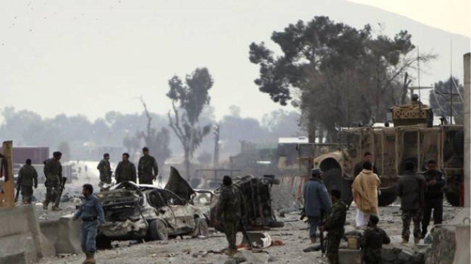 Επίθεση αυτοκτονίας στην Καμπούλ με επτά νεκρούς