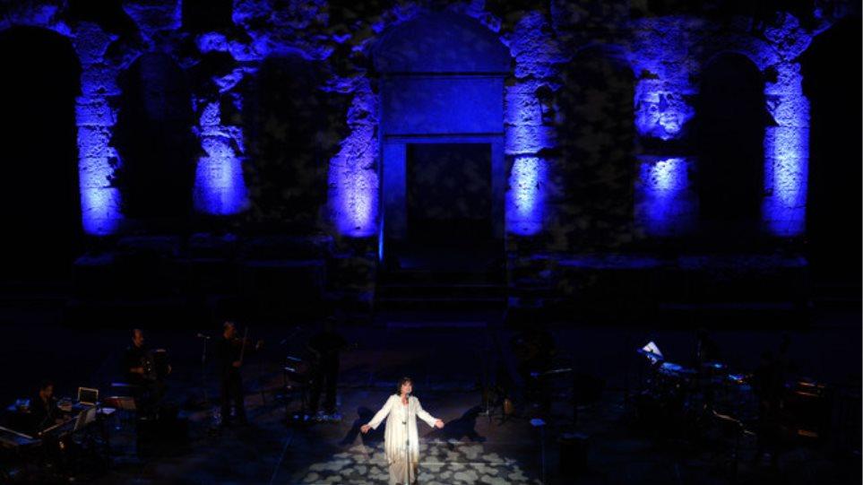 «Μάγεψε» η Χαρούλα Αλεξίου στο Ηρώδειο!