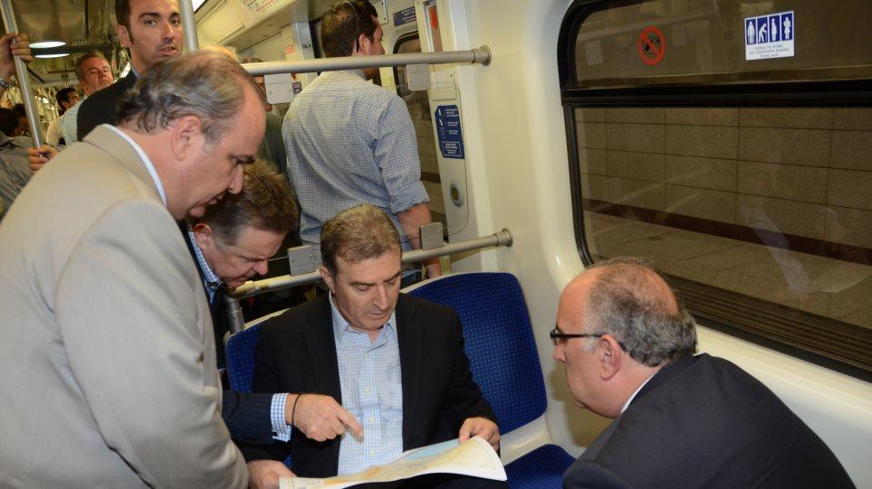 Στους νέους σταθμούς του μετρό ο Χρυσοχοΐδης