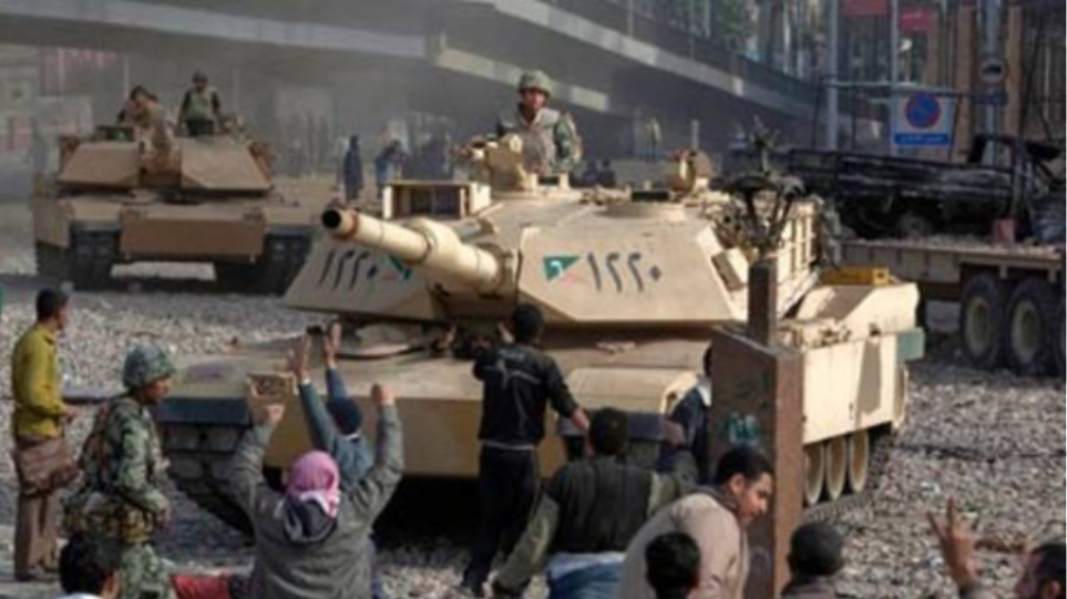 Αίγυπτος: Τελεσίγραφο 48 ωρών από τον στρατό στη Μουσουλμανική Αδελφότητα