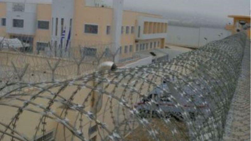 Άγρια συμπλοκή με έναν νεκρό στις φυλακές Δομοκού