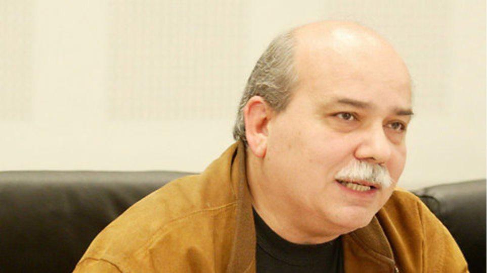 Θα επαναπροσληφθούν όσοι απολύθηκαν στο Δημόσιο, διαβεβαιώνει ο Βούτσης