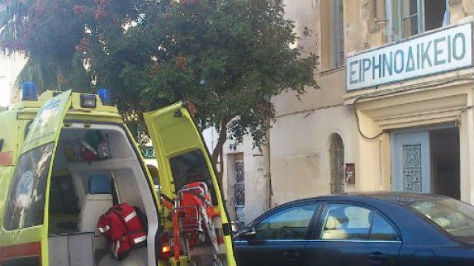 Ηράκλειο: Γυναίκα κατέρρευσε μέσα στο δικαστήριο για υπόθεση χρεών
