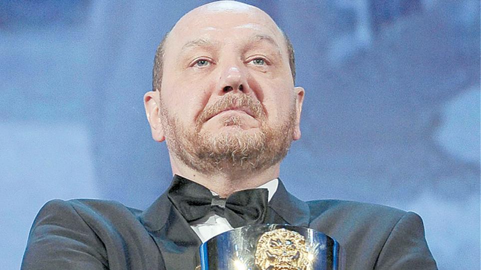 Θέμης Πάνου: Ο άνθρωπος που έκλεψε το βραβείο από τον Νίκολας Κέιτζ