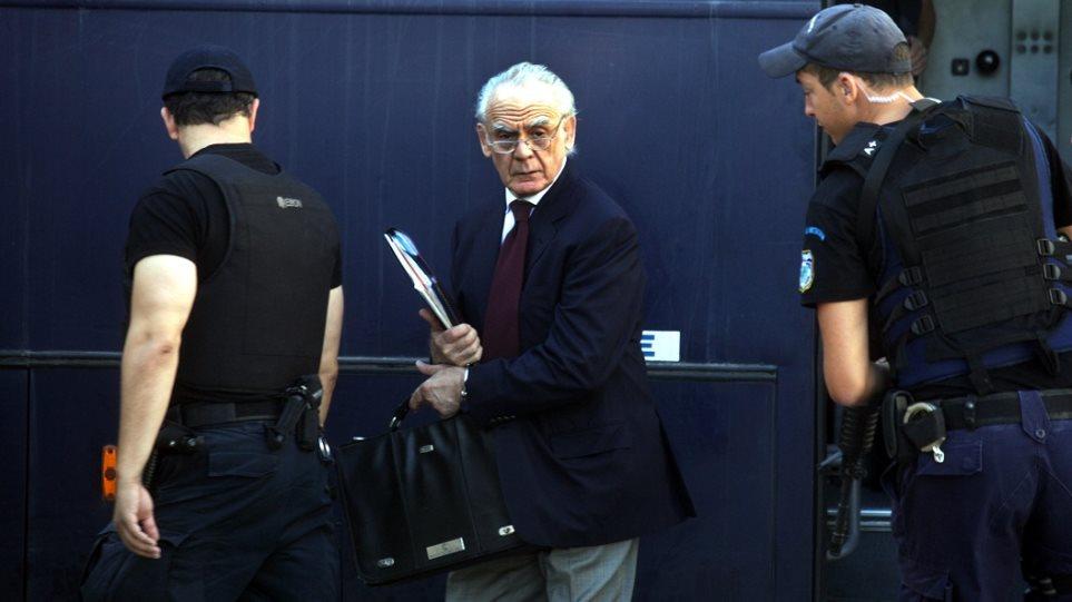Δικηγόροι Άκη για Ζήγρα: Ένοχος ένοχο ου ποιεί...