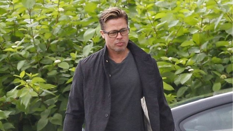 O Brad Pitt έκοψε τα μαλλιά του και την ανάσα μας
