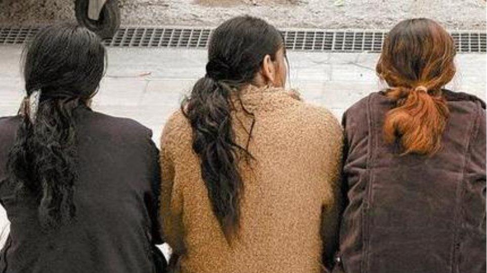 Θηλυκή συμμορία στην Κέρκυρα