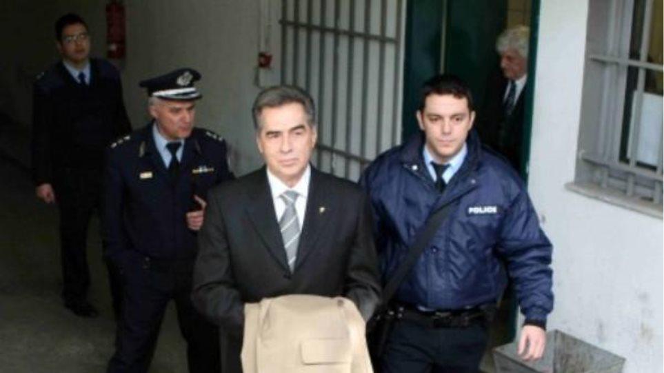 Ξανά στο εδώλιο του κατηγορουμένου ο Β. Παπαγεωργόπουλος