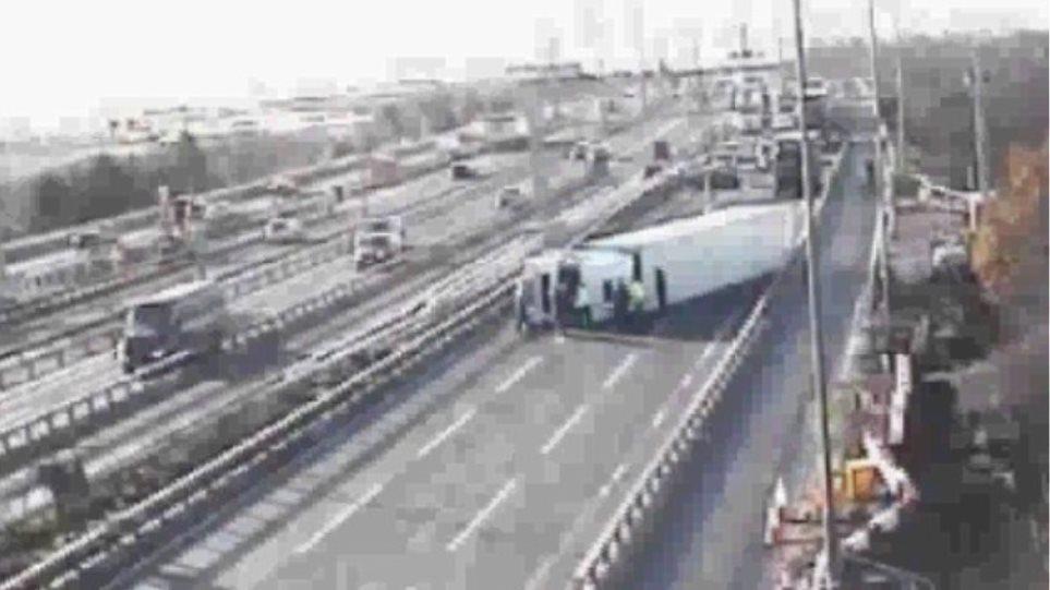 Τροχαία ατυχήματα σε αυτοκινητόδρομους - Σοκαριστικό βίντεο