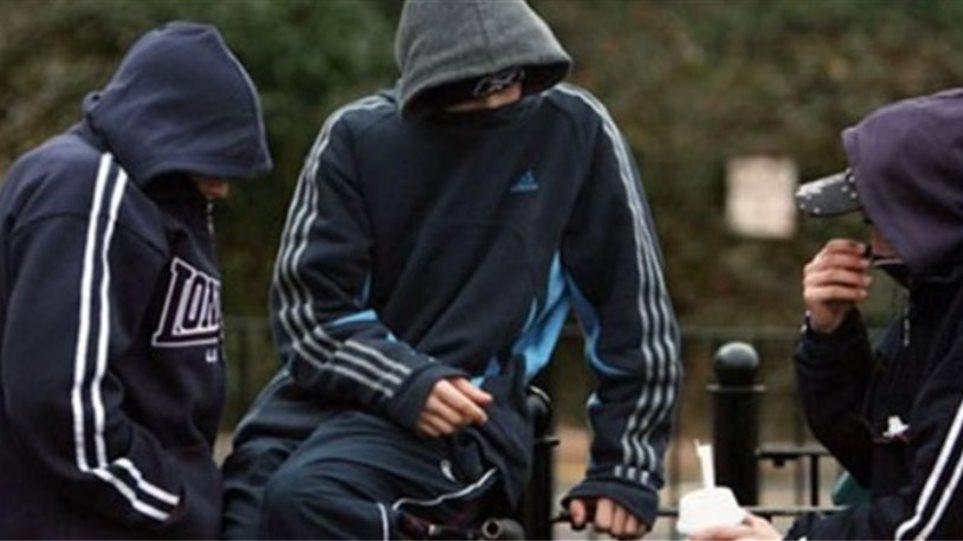 Ανήλικοι δραπέτες άρπαζαν τσάντες στο Βόλο