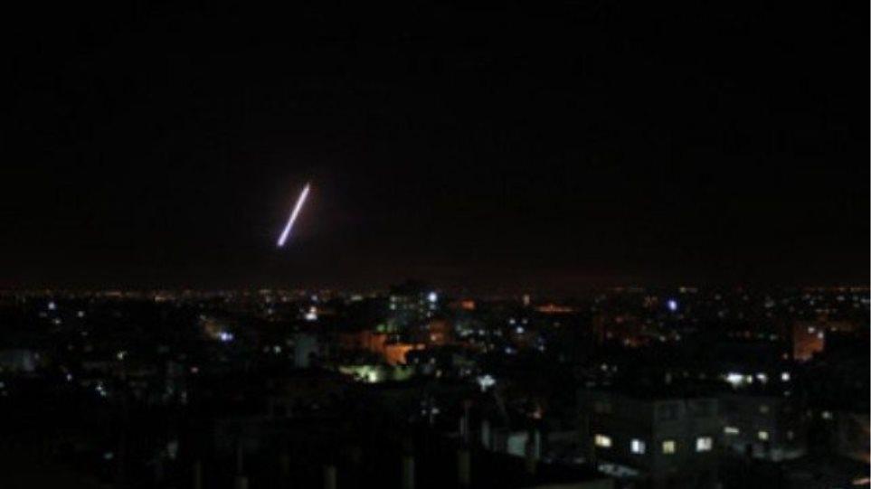 Τέσσερις ρουκέτες χτύπησαν το Λίβανο