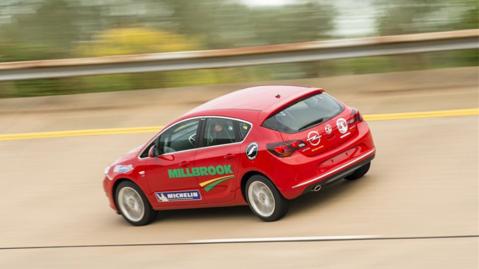 Video: Ρεκόρ ταχύτητας επί 24 ώρες για το Opel Astra