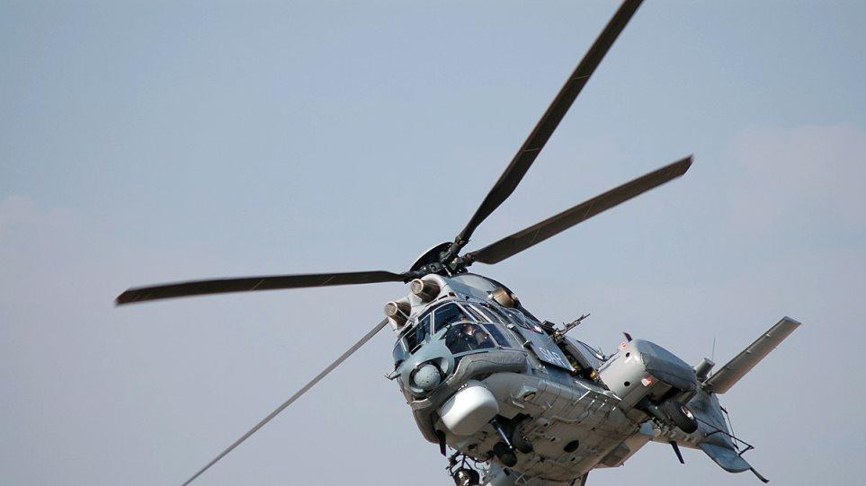 Παραλαβή με ελικόπτερο Super Puma ασθενούς από το «GOLDEN IRIS»