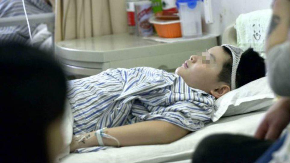 Κίνα: Έκοψε και έβρασε το χέρι του γιου της φίλης του!