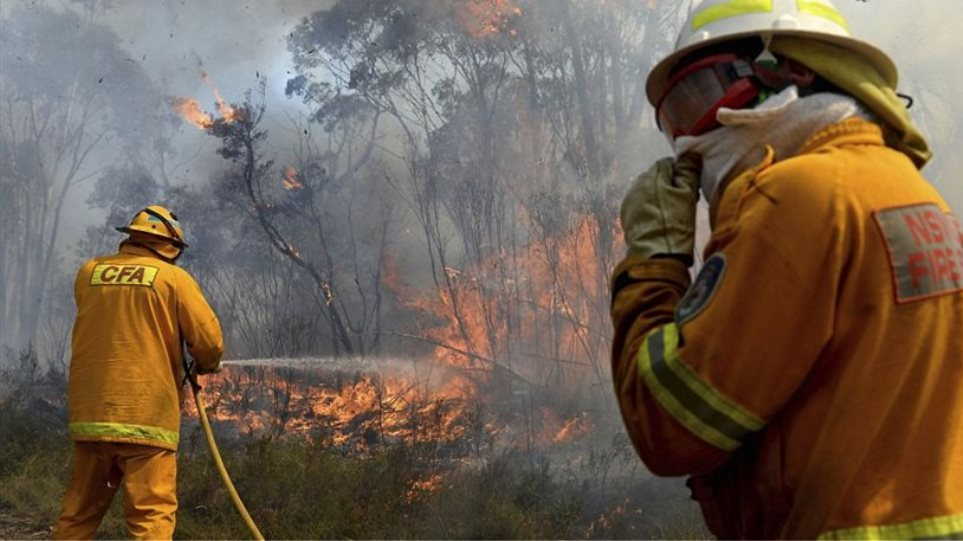 Αυστραλία: To «πάνω χέρι» στη μάχη με τις πυρκαγιές παίρνουν οι πυροσβέστες