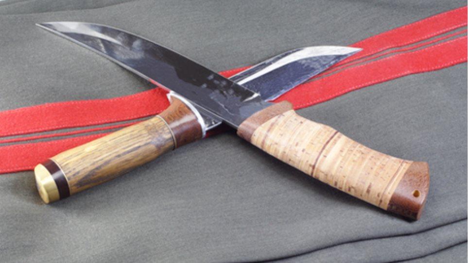 Τρίκαλα: Κυκλοφορούσε οπλισμένος με τρία μαχαίρια