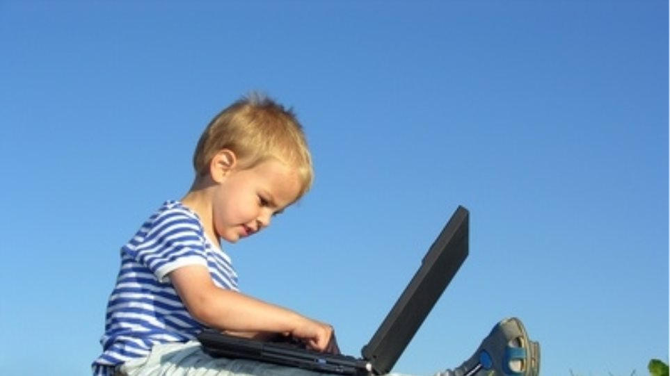 Μέχρι δύο ώρες υπολογιστή την ημέρα, δεν κάνει κακό στο παιδί