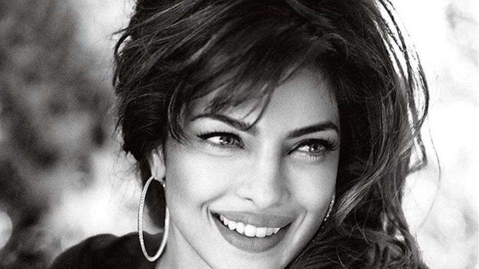 Μια σταρ του Bollywood το νέο «αστέρι» της πασαρέλας