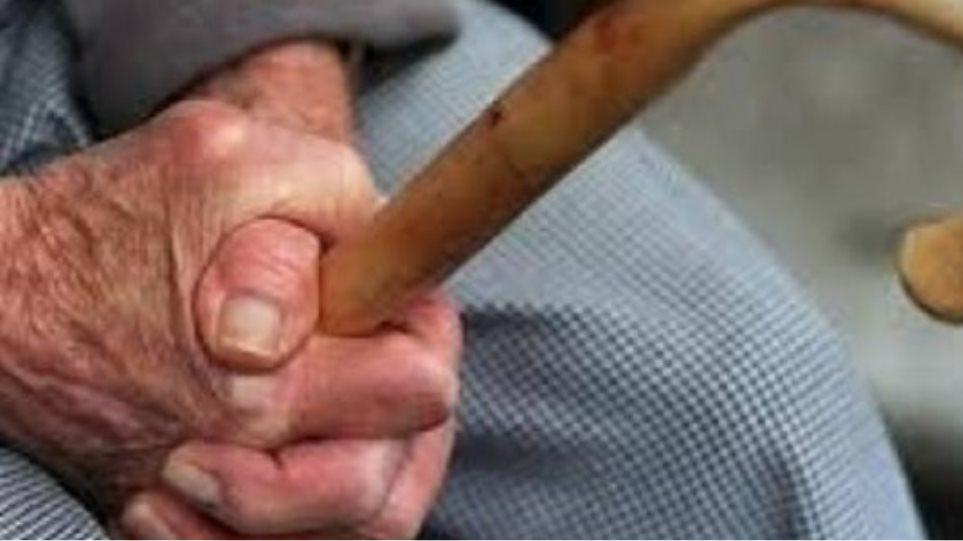 Μαγνησία: Λήστεψαν 93χρονο με την απειλή μαχαιριού