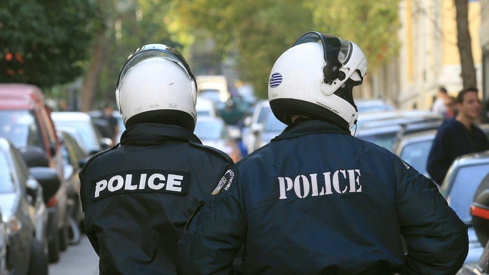 Ενοπλοι ληστές τραυμάτισαν αστυνομικό στα ΕΛΤΑ Θεσσαλονίκης