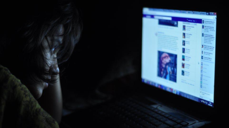 Πώς το διαδίκτυο βοηθά ψυχολογικά απομονωμένα και δυστυχισμένα άτομα